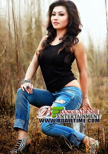 Amar Jibone Prothom Je Meyeta Ase